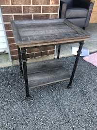 Northern Oak Side Table BRAND NEW! Fishers