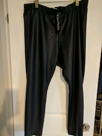 Ladies pants new with tag. Size 2XL