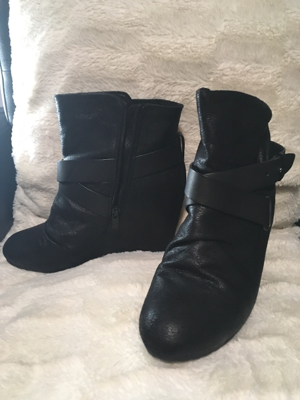 Assorted boots  Brand new or gently used Size 8-81/2 $40-60 31df41a6-eec4-41fb-b873-76c5e2dec67a