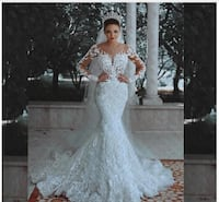 Long-Sleeve, See-Through Back, Beaded and Lace Mermaid Wedding Dress 46 km