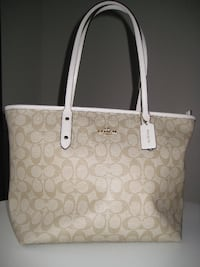*** Coach F39523 City Zip Tote in Signature Coated Canvas***