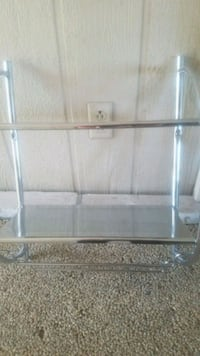 Two shelf towel rack Menifee, 92584