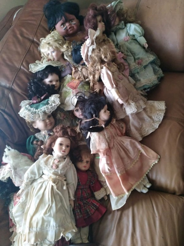 Porcelain Doll Figurines 1