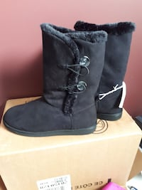 Women's winter boots size 8 new