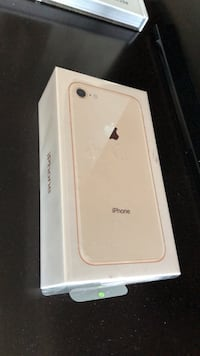 Iphone 8 brand new Surrey, V3W