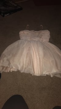 white and gray floral strapless dress Fort Wayne, 46835
