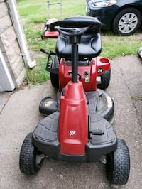red and black ride on lawn mower Evansville, 47711