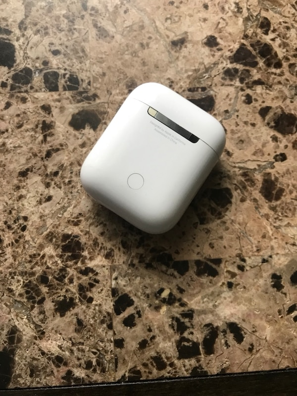 save off b88d7 92947 100% Authentic APPLE AirPod Charger (ONLY)