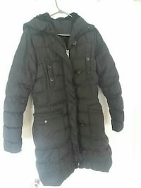 black zip-up bubble jacket Montreal, H1N 1T8