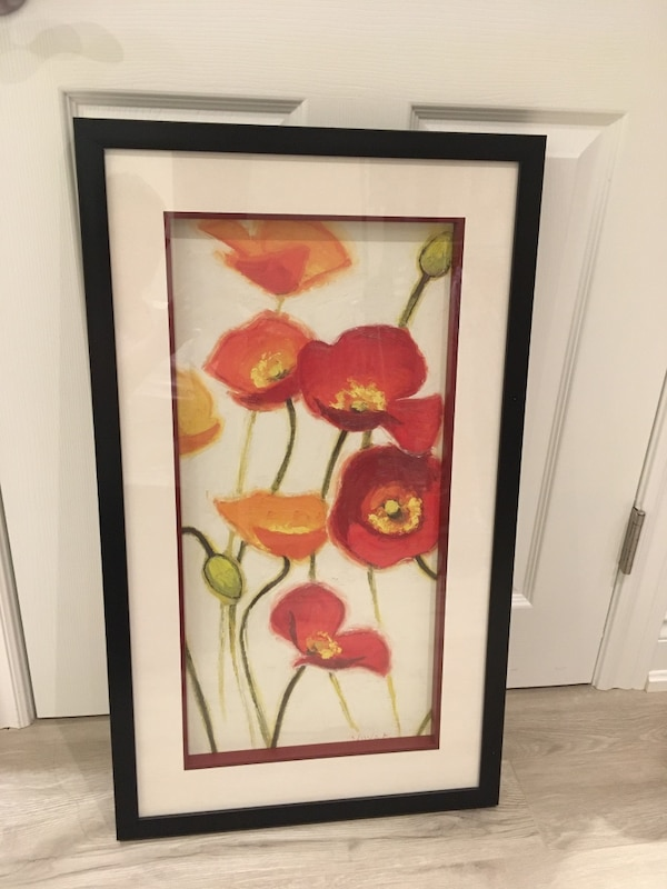 Flower artwork with glass 43a7680c-cc29-4387-996b-b4bf702d7485