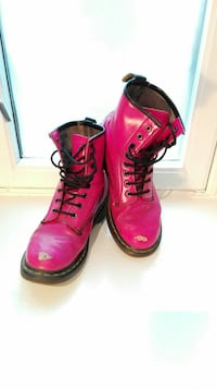 Rosa dr. Martens airwair / boots / sneakers