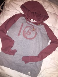Women's Tentree hoodie Size Small  Coquitlam, V3E 3A5
