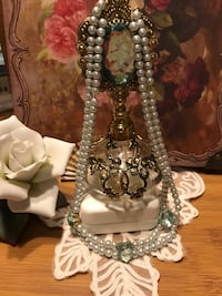 Beautiful! Turquoise Blue Victorian Pearl Necklace with Hearts