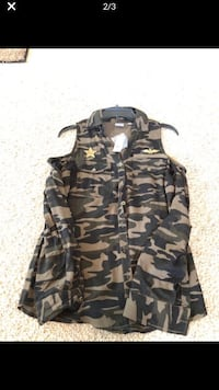NY & CO Army Blouse w/Versatile Sleeves Stockton, 95210