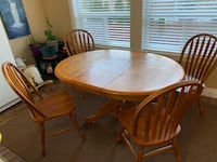 Dining table with 4 chairs almost new Langley, V2Y 0K6