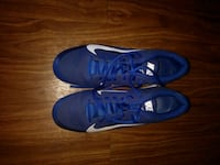 pair of blue low-top sneakers College Park, 20740