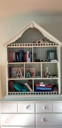 pottery barn kids dollhouse shelves Falls Church, 22043