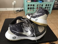 pair of black-and-white Nike basketball shoes Houston, 77014
