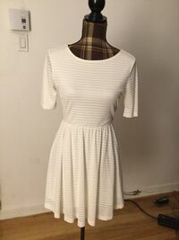 Brand new white summer dress in medium Montréal, H1M 1S1