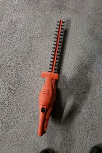 "BLACK AND DECKER 17"" HEDGE TRIMMER"