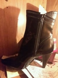 Black leather zip up pointed boots never been used Fort Smith, 72901