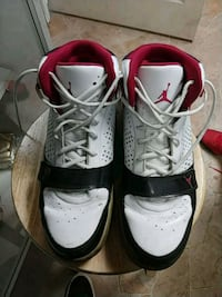 pair of white-and-red Air Jordan shoes Green Bay, 54302