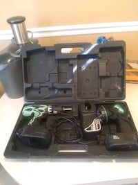Hitachi 18 Volt Drill and Flashlight with charger and case. Delray Beach, 33446