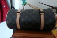Louis Vuitton purse Hamilton, L8L 5J3
