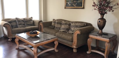 Living room set (5 piece by Bench craft)