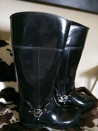 pair of black leather boots New Orleans, 70141