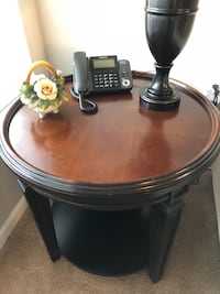 Round wooden side table brown. Quality table in good shape. Wesley Chapel, 33543