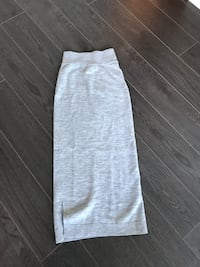 Aritzia Wilfred grey skirt size small  Vancouver, V5Y 0H8