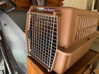 Dog traveling cage  East Point, 30349