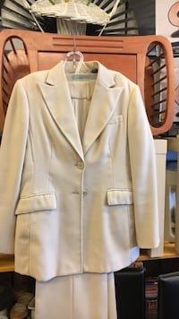 white notch lapel suit jacket Montréal, H9H
