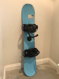 Snowboard. 150 cm. Used by teenager. Size 8 boots available