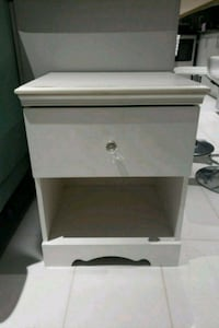 White wood 5 drawer with night table Brampton, L6P 2A1