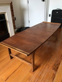 Coffee Table - great size, pretty wood, a little wear but nice! New York, 11216
