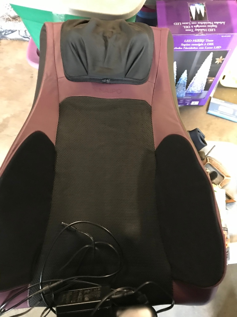 Photo Deluxe back massage seat. New