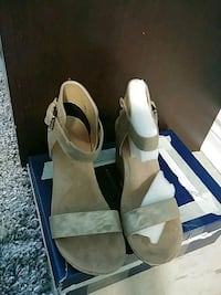 pair of gold leather open-toe heels Toronto, M3N