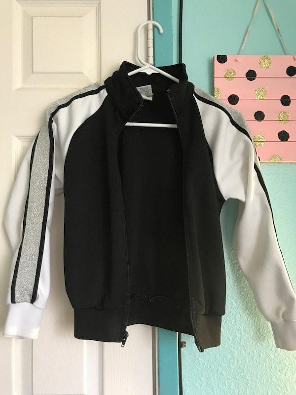 95473b389c371a Used black and white full zip jacket for sale in Modesto - letgo