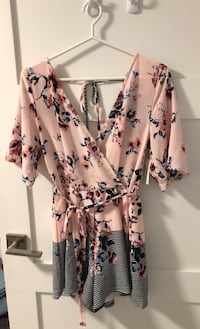 Pink Floral Romper - Size Small London, N6H 4P7