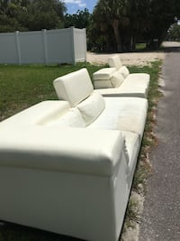 FREE COUCH GET IT NOW ! Sarasota, 34231