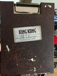 King Kong, 2 disc with production journal signed by Peter Jackson. Toronto, M1E 4S6