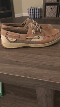 Brown-and-gray leather boat shoes Wilmington, 28411