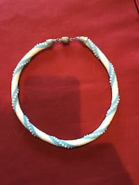 New ,Blue and white colored chain necklace 905 mi