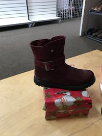unpaired maroon leather side-zip ankle-buckle boot with box