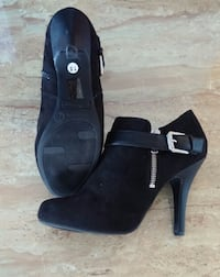 Black booties size 7.5 Toronto
