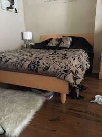 Queen size bed frame  Langley, V3A 3H5