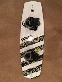 Liquidforce youth wakeboard sizes 12T-15Y with fins Lorton, 22079