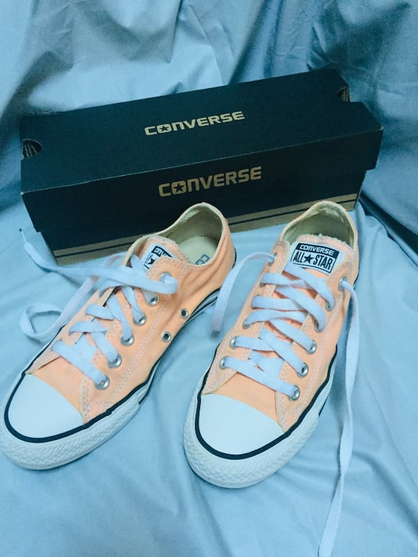 CONVERSE SUMMER COLOR  size 7 2b78b48e-e81c-48be-a421-385ca91fac85